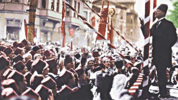 19 Mayıs ı Atatürk ün yanındaki isimden dinleyin #4