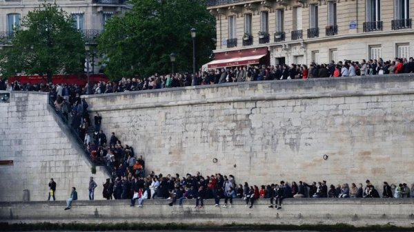 Bir tarih kül oldu: Notre Dame #7
