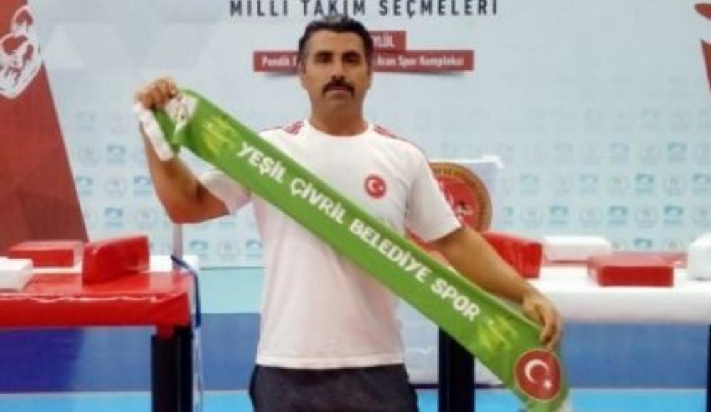 Çivrilli milli sporcu bilek güreşinde Türkiye üçüncüsü oldu