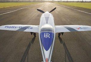 Rolls-Royce, tamamen elektrikli dünyanın en hızlı uçağı olma yolculuğundaki en son aşama olan